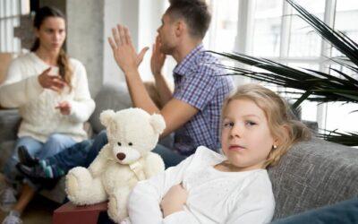 Kind van de rekening? Wat ruzie tussen ouders met kinderen doet…